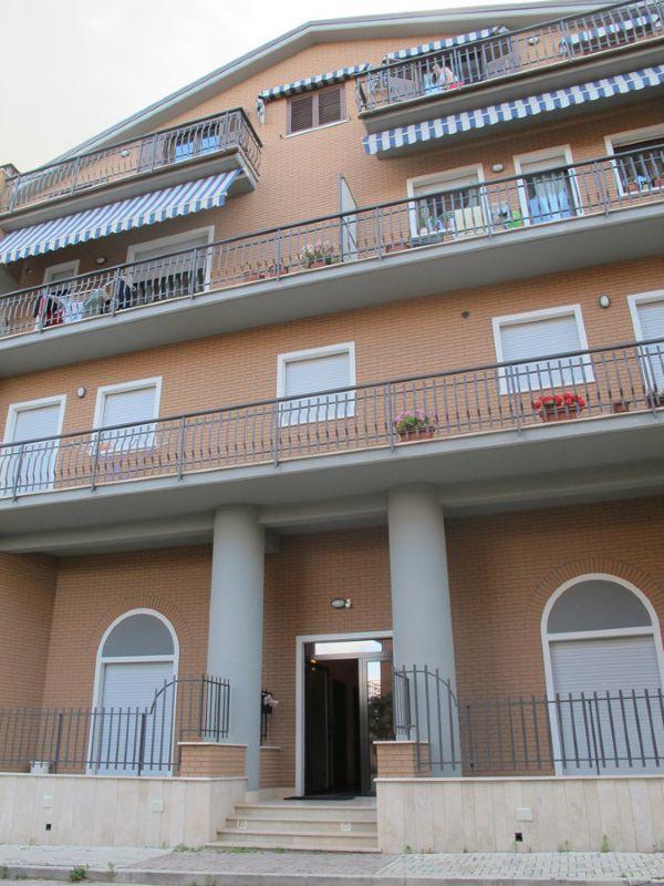 Appartamento in vendita a L'Aquila, 5 locali, prezzo € 185.000 | Cambio Casa.it