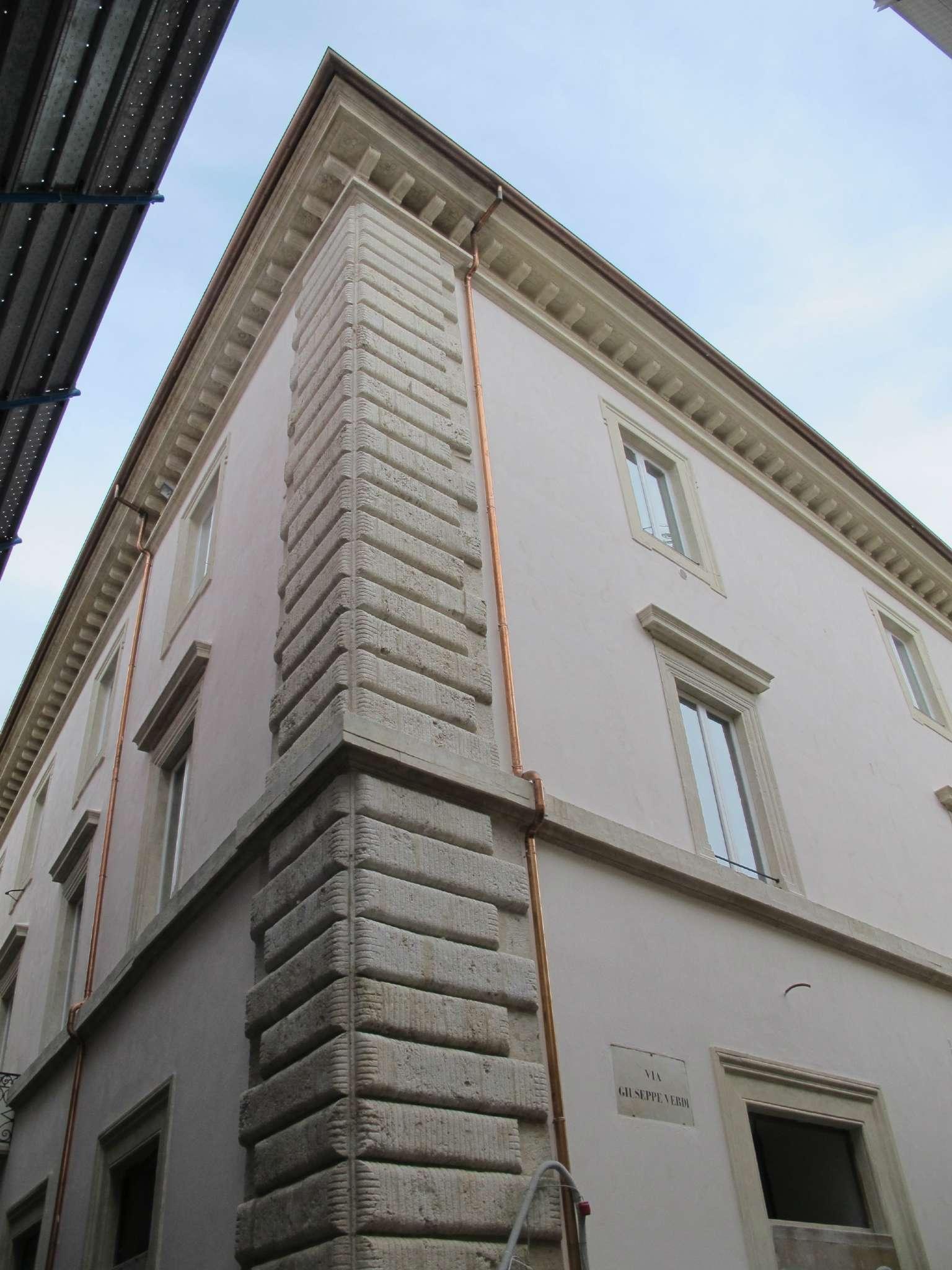 Appartamento, Vittorio Emanuele, centro storico, Vendita - L'aquila (L'Aquila)