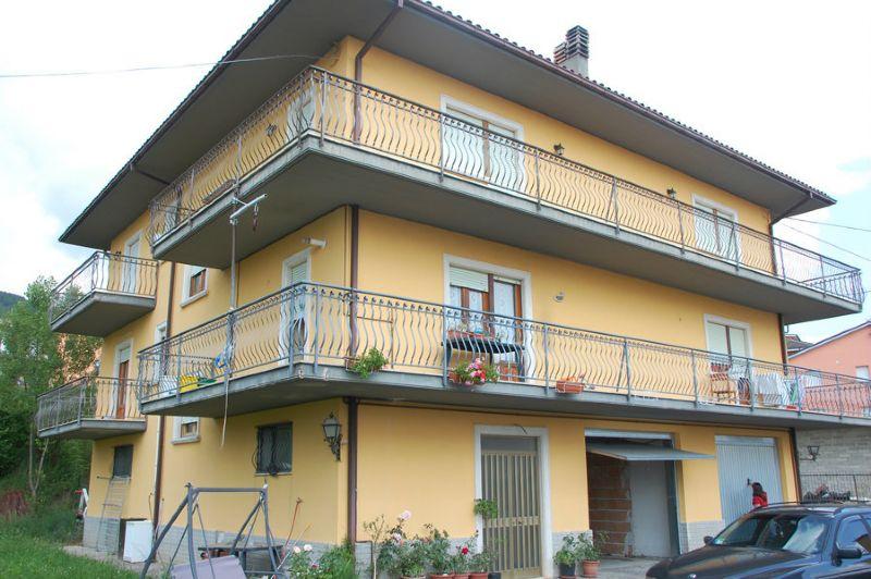 Appartamento in vendita a L'Aquila, 7 locali, prezzo € 200.000 | CambioCasa.it