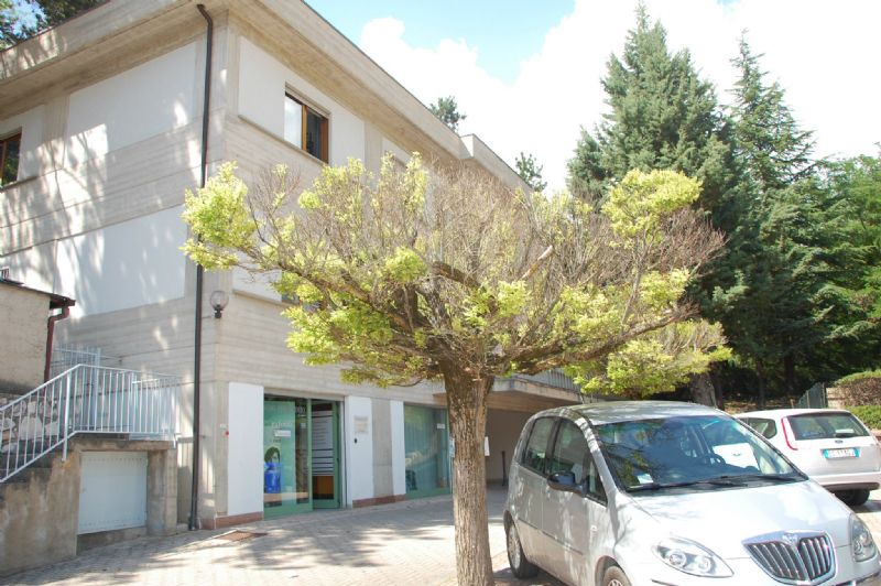 Ufficio / Studio in affitto a L'Aquila, 9999 locali, prezzo € 695 | Cambio Casa.it