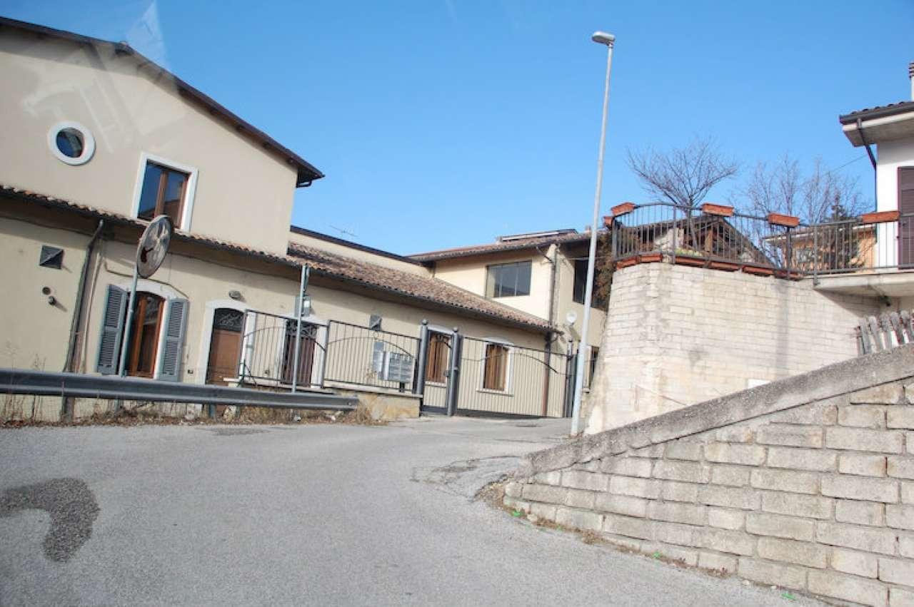 Ufficio / Studio in affitto a L'Aquila, 9999 locali, prezzo € 800 | Cambio Casa.it