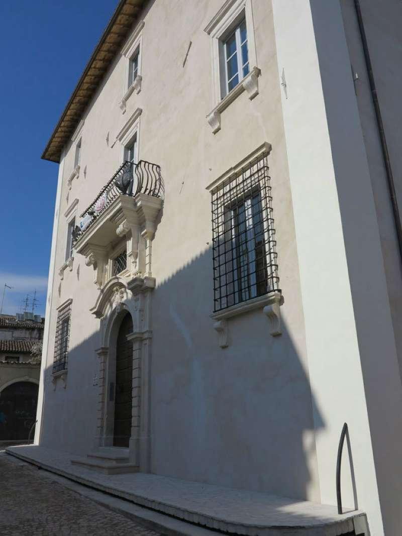 Ufficio / Studio in affitto a L'Aquila, 9999 locali, Trattative riservate | Cambio Casa.it