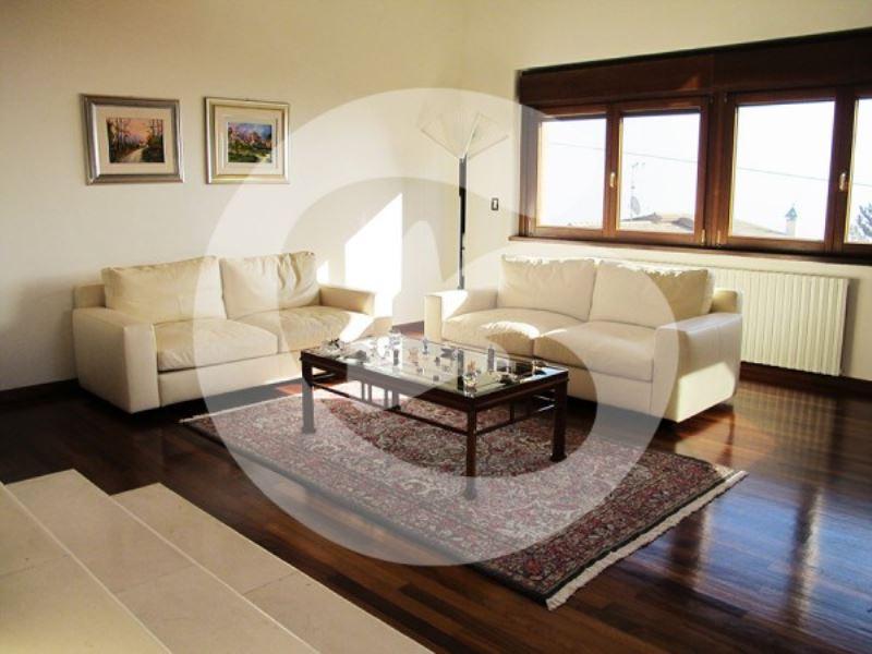 Villa in vendita a L'Aquila, 6 locali, Trattative riservate | CambioCasa.it