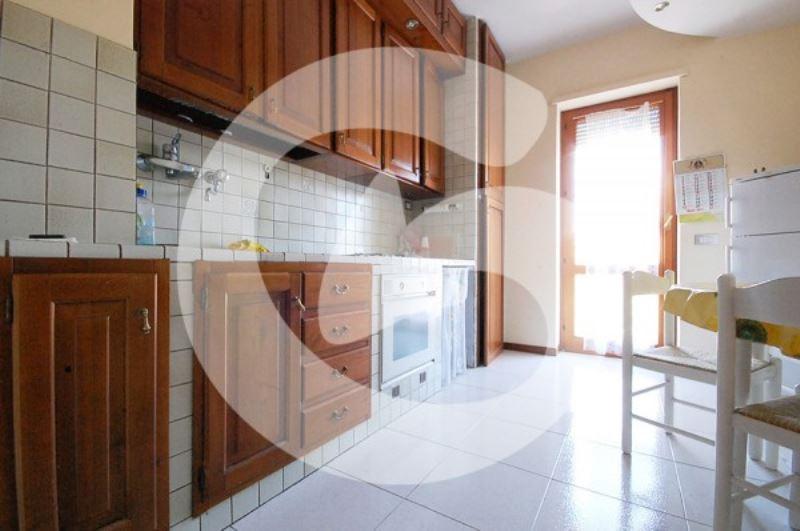 Appartamento in vendita a L'Aquila, 5 locali, prezzo € 215.000 | Cambio Casa.it