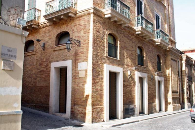 Ufficio / Studio in vendita a Giulianova, 9999 locali, Trattative riservate | Cambio Casa.it