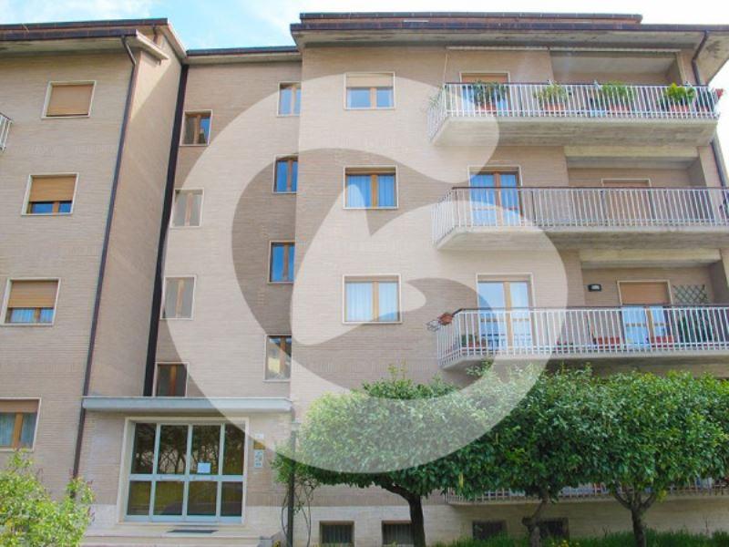 Appartamento in vendita a L'Aquila, 5 locali, prezzo € 210.000   Cambio Casa.it