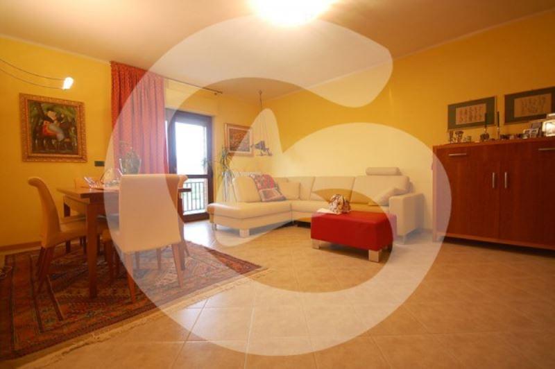 Appartamento in vendita a L'Aquila, 5 locali, prezzo € 245.000 | Cambio Casa.it