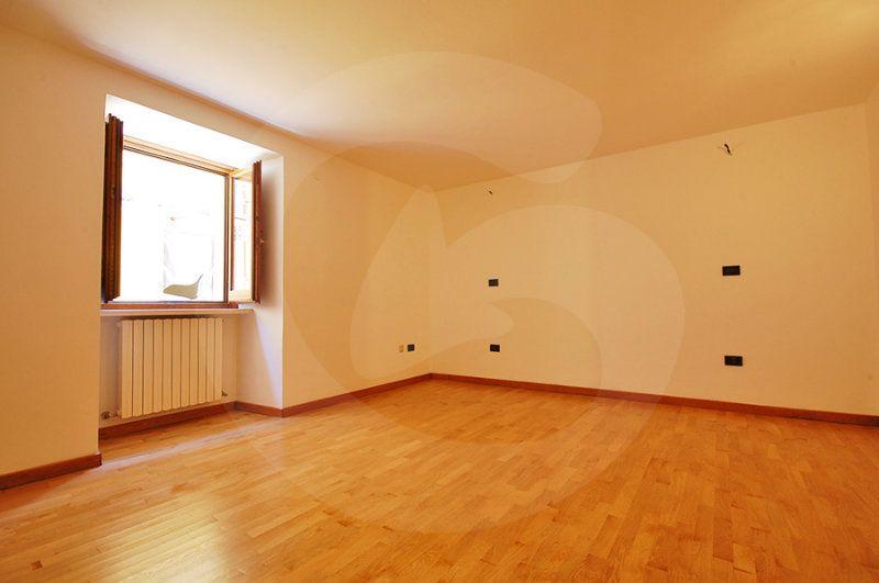 Ufficio / Studio in vendita a L'Aquila, 3 locali, prezzo € 180.000 | Cambio Casa.it