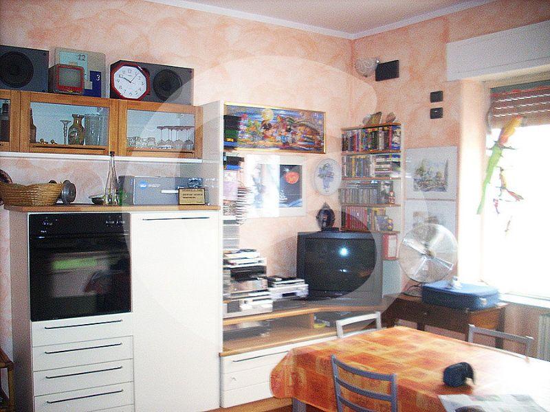 Appartamento in vendita a Giulianova, 4 locali, prezzo € 180.000 | Cambio Casa.it