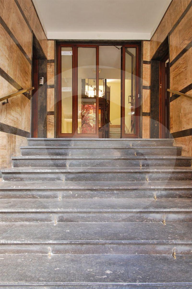 Attività / Licenza in vendita a Roma, 5 locali, zona Zona: 30 . Prati, Borgo, San Pietro, prezzo € 900.000   CambioCasa.it