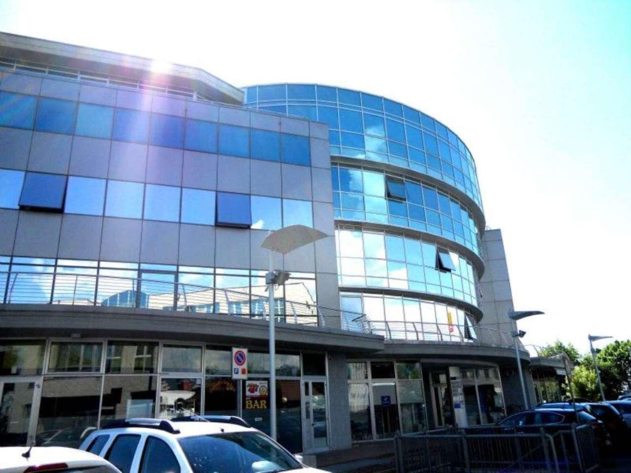 Ufficio / Studio in affitto a Pinerolo, 8 locali, prezzo € 2.500 | Cambio Casa.it