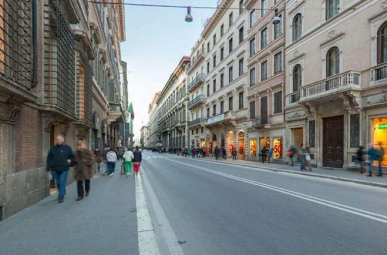 Negozio locale roma affitto zona 1 centro storico 15 for Bershka roma via del corso