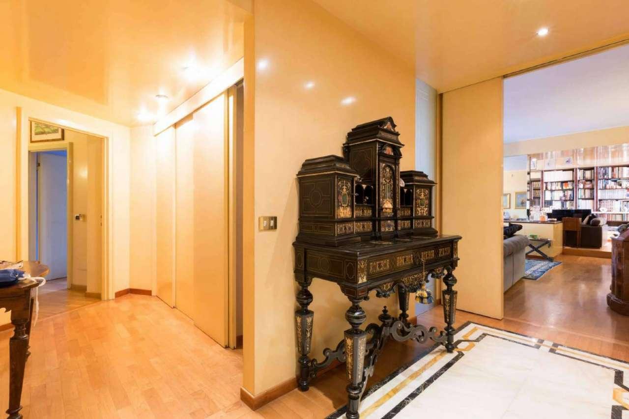 Appartamento in Vendita a Milano 17 Marghera / Wagner / Fiera: 4 locali, 245 mq