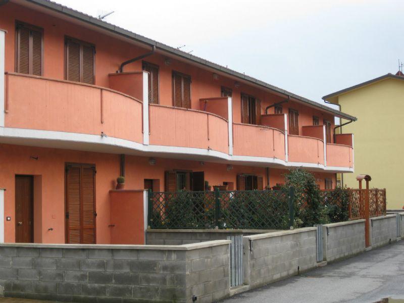 Villa in vendita a Pontedera, 5 locali, prezzo € 195.000   Cambio Casa.it