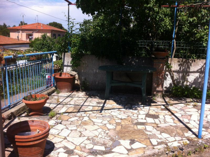 Soluzione Indipendente in vendita a Livorno, 4 locali, prezzo € 210.000 | Cambio Casa.it