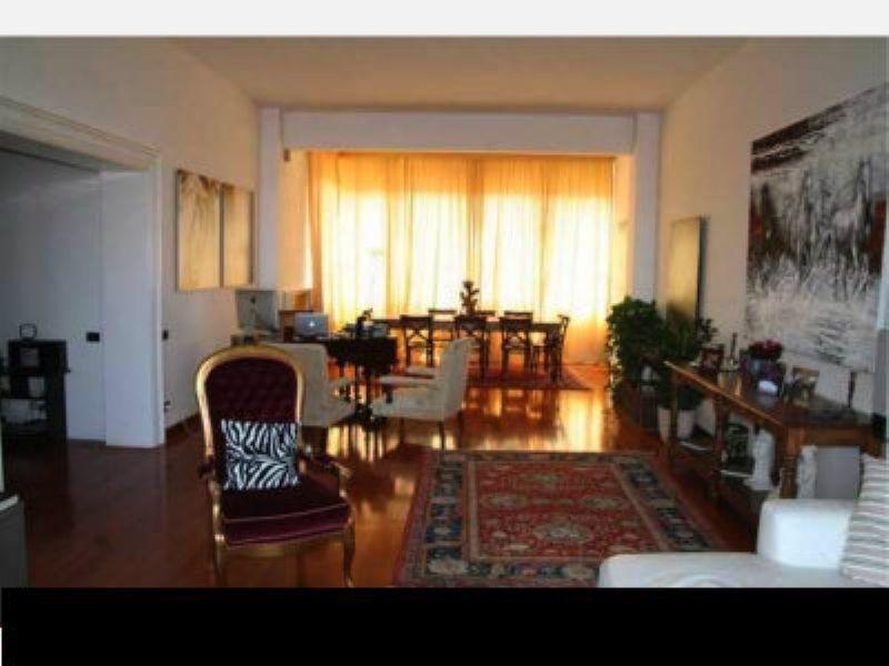 Attico / Mansarda in vendita a Livorno, 8 locali, Trattative riservate | Cambio Casa.it