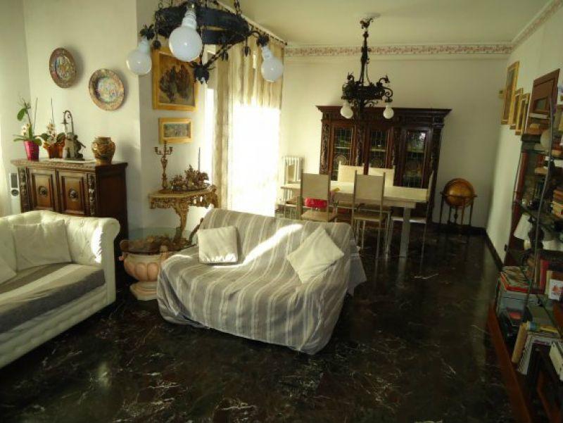 Appartamento in vendita a Livorno, 4 locali, prezzo € 230.000 | Cambio Casa.it