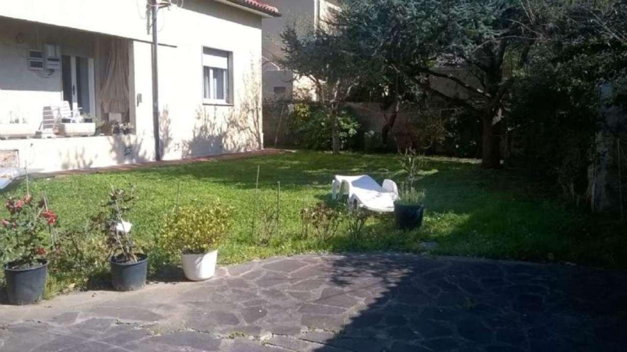Villa in vendita a Livorno, 4 locali, prezzo € 590.000 | Cambio Casa.it
