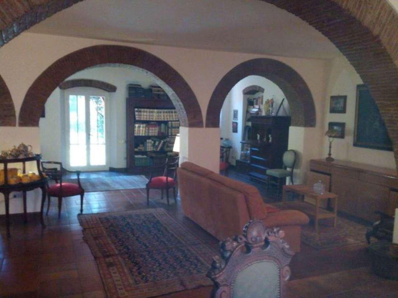 Villa in vendita a Livorno, 7 locali, prezzo € 530.000 | Cambio Casa.it