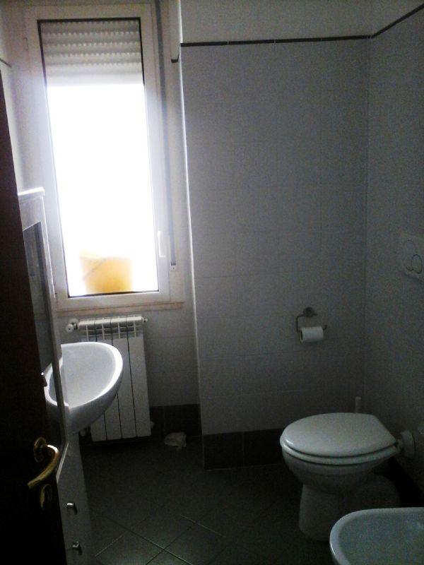 Bilocale Livorno Via Terreni 4