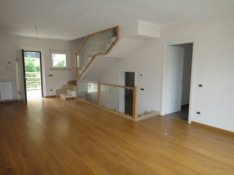 Villa in vendita a Livorno, 5 locali, prezzo € 450.000 | Cambio Casa.it