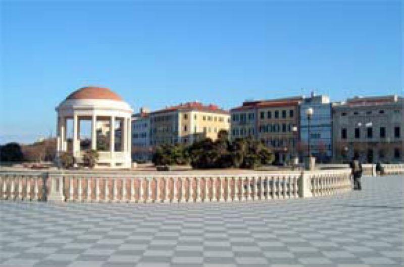 Bilocale Livorno Viale Italia 1