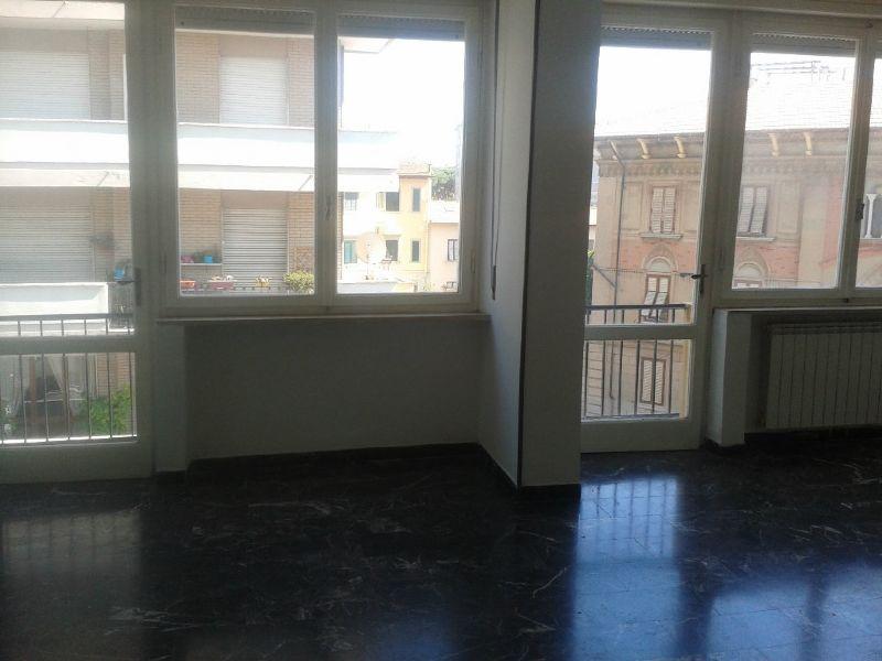 Appartamento in affitto a Livorno, 4 locali, prezzo € 750 | Cambio Casa.it