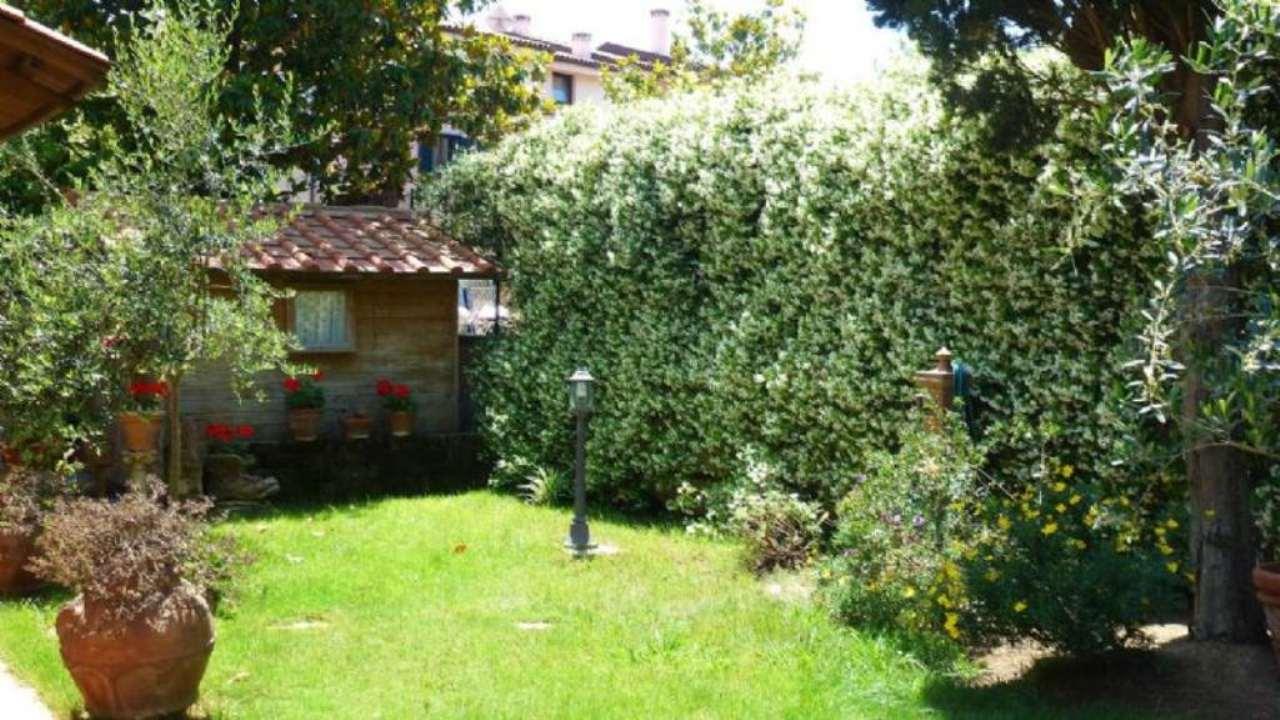 Soluzione Indipendente in vendita a Livorno, 6 locali, prezzo € 290.000 | Cambio Casa.it