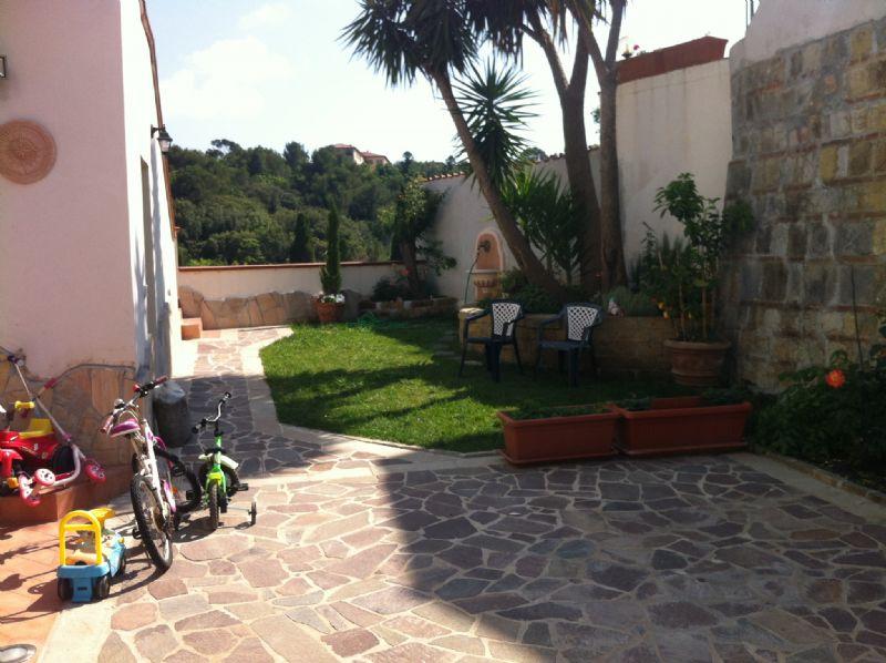 Soluzione Indipendente in vendita a Livorno, 12 locali, prezzo € 650.000   Cambio Casa.it