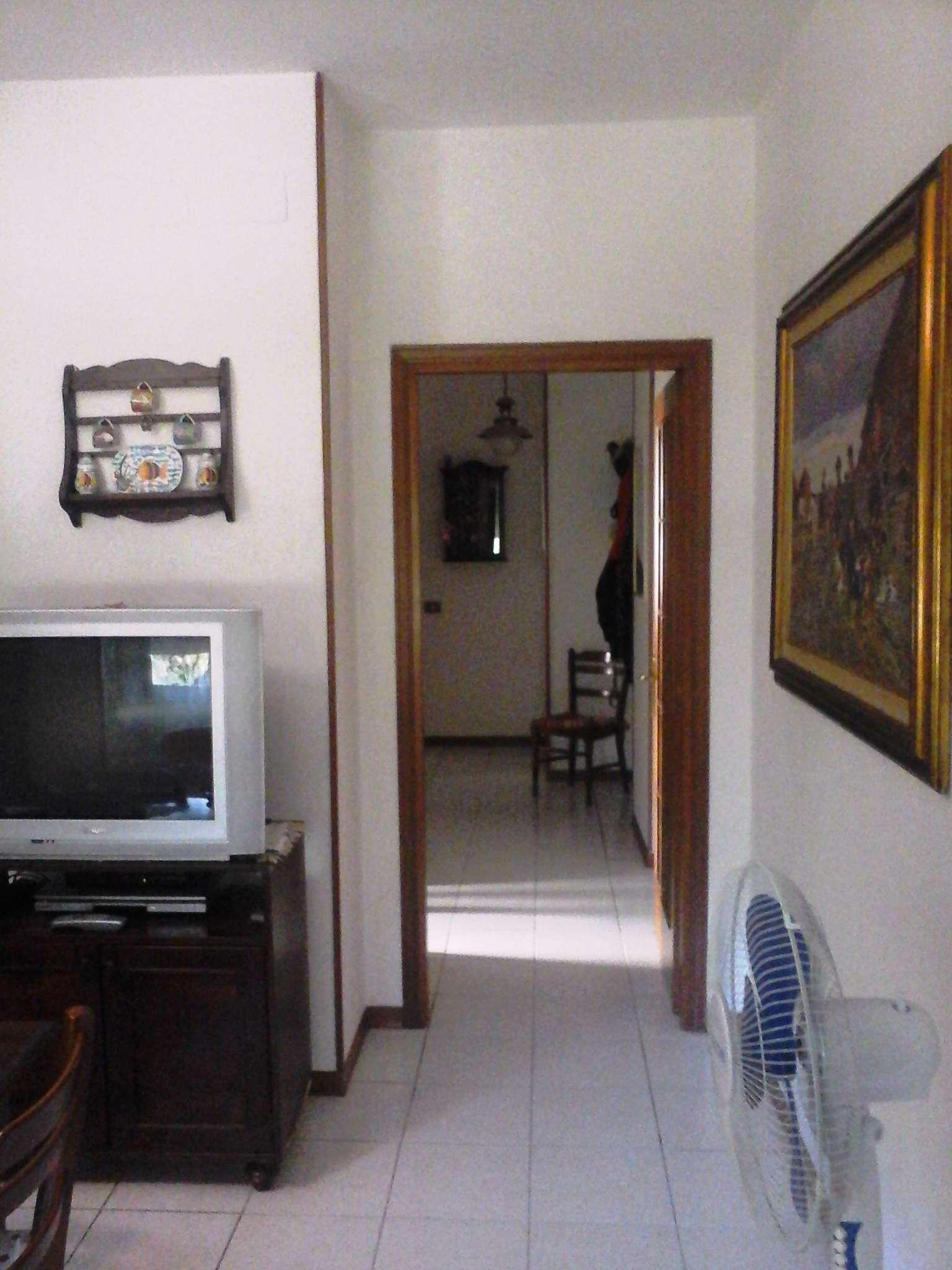 Appartamento in vendita a Livorno, 5 locali, prezzo € 155.000 | Cambio Casa.it