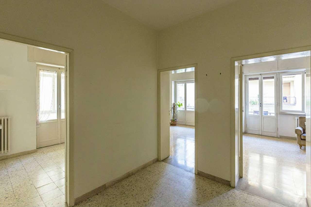 Appartamento in vendita a Livorno, 6 locali, prezzo € 235.000 | Cambio Casa.it
