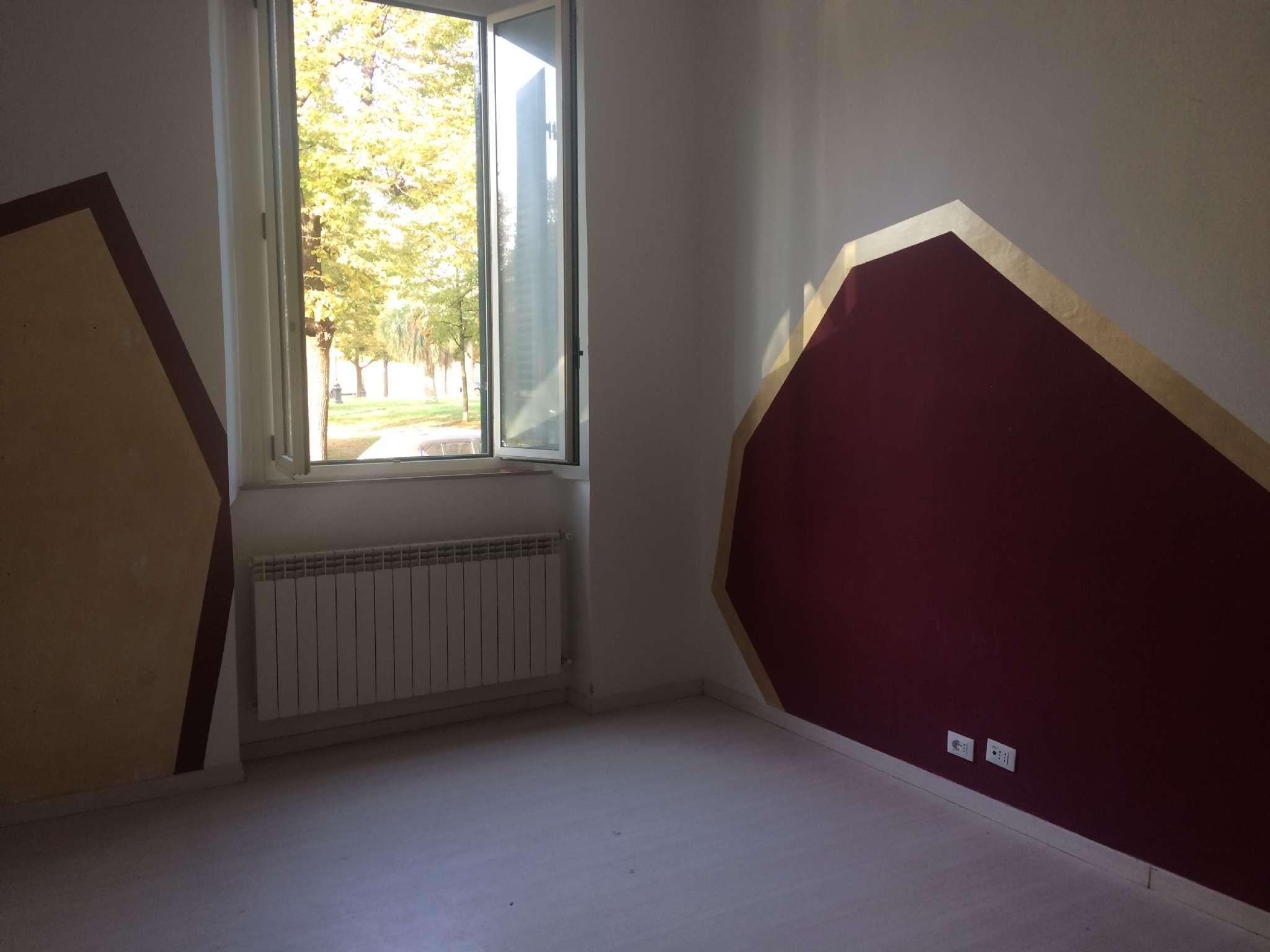 Appartamento in vendita a Livorno, 4 locali, prezzo € 143.000 | CambioCasa.it