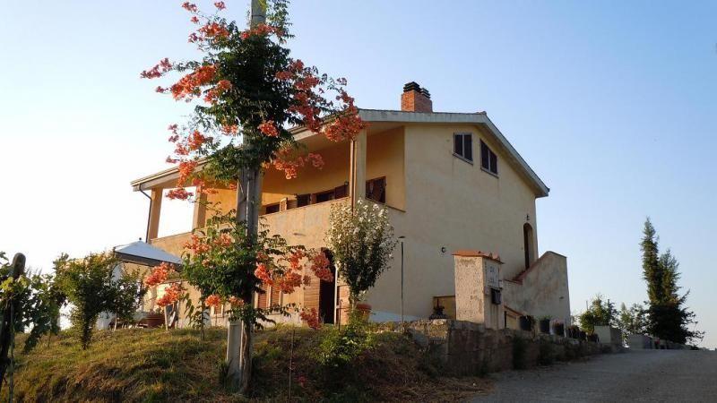 Villa in vendita a Livorno, 7 locali, prezzo € 750.000 | Cambio Casa.it