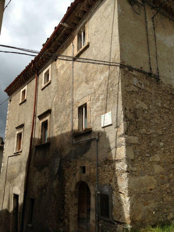 Rocca di Mezzo Vendita STABILE / PALAZZO Immagine 0