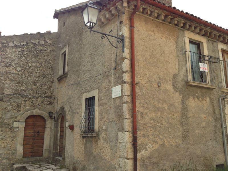 Rocca di Mezzo Vendita STABILE / PALAZZO Immagine 1