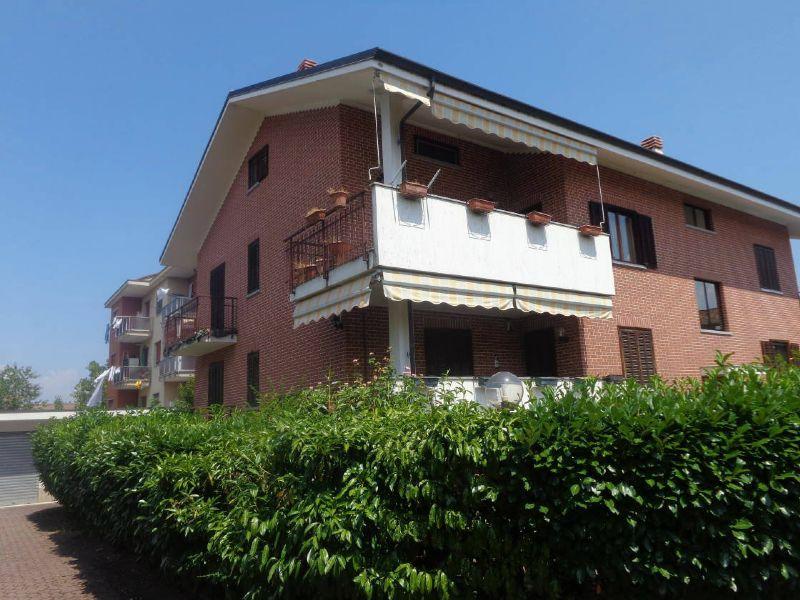 Casa indipendente in affitto a Volpiano in Via San Benigno