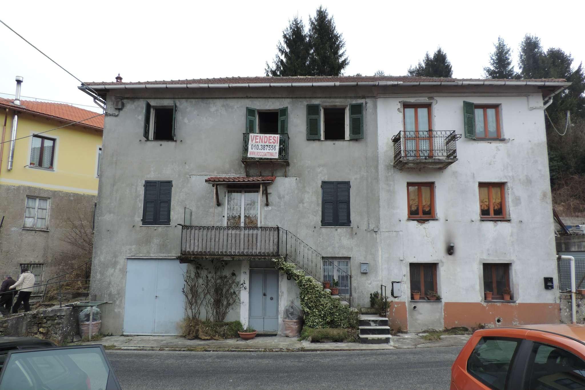 Appartamento in vendita a Torriglia, 6 locali, prezzo € 18.000 | Cambio Casa.it