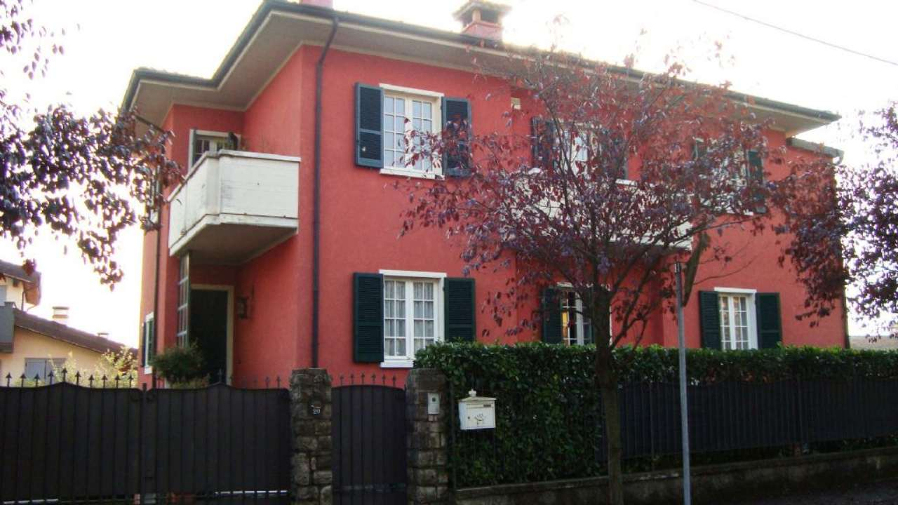 Soluzione Indipendente in vendita a Gussago, 6 locali, prezzo € 615.000 | Cambio Casa.it