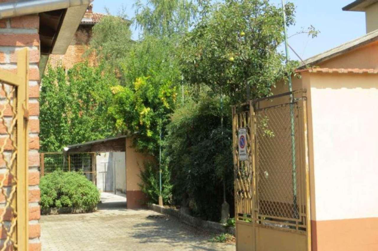 Villa in vendita a Besate, 4 locali, prezzo € 159.000 | Cambio Casa.it