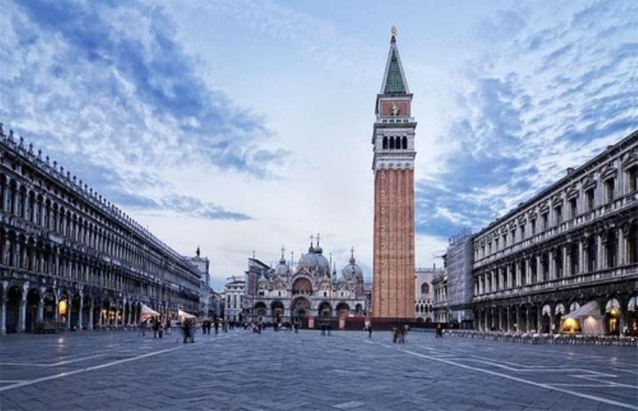 Negozio / Locale in affitto a Venezia, 3 locali, zona Zona: 5 . San Marco, prezzo € 8.500 | CambioCasa.it