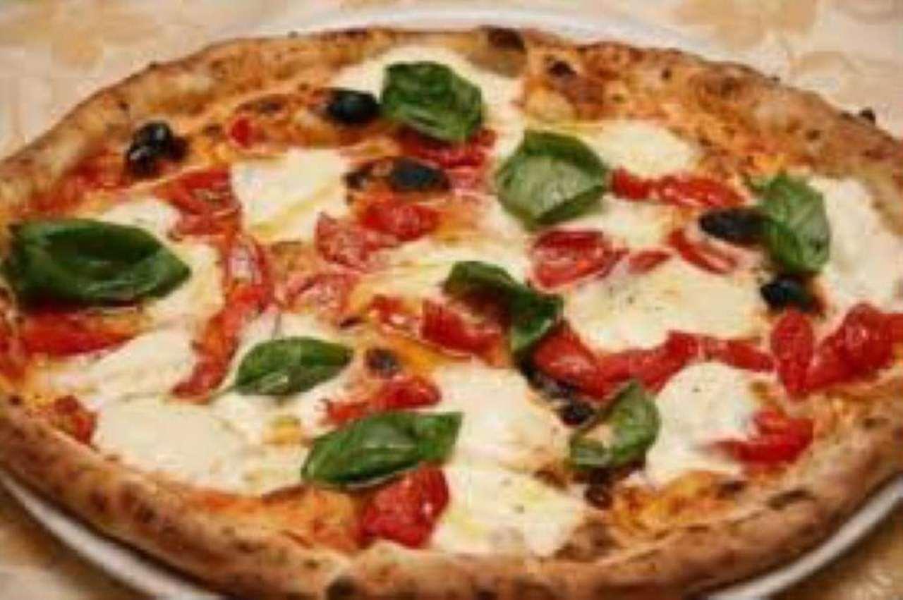 Ristorante / Pizzeria / Trattoria in affitto a Mirano, 4 locali, prezzo € 3.000 | Cambio Casa.it