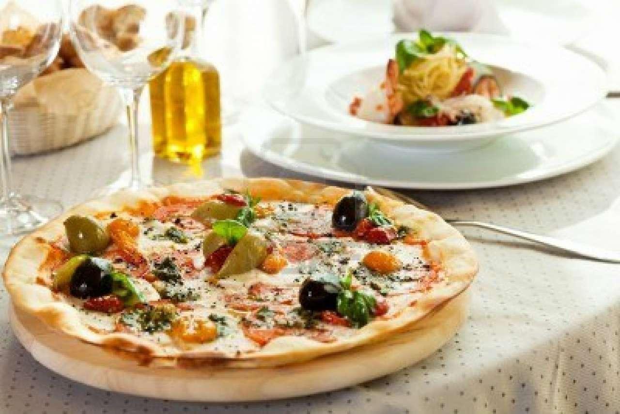 Ristorante / Pizzeria / Trattoria in vendita a Mira, 9999 locali, prezzo € 250.000   Cambio Casa.it