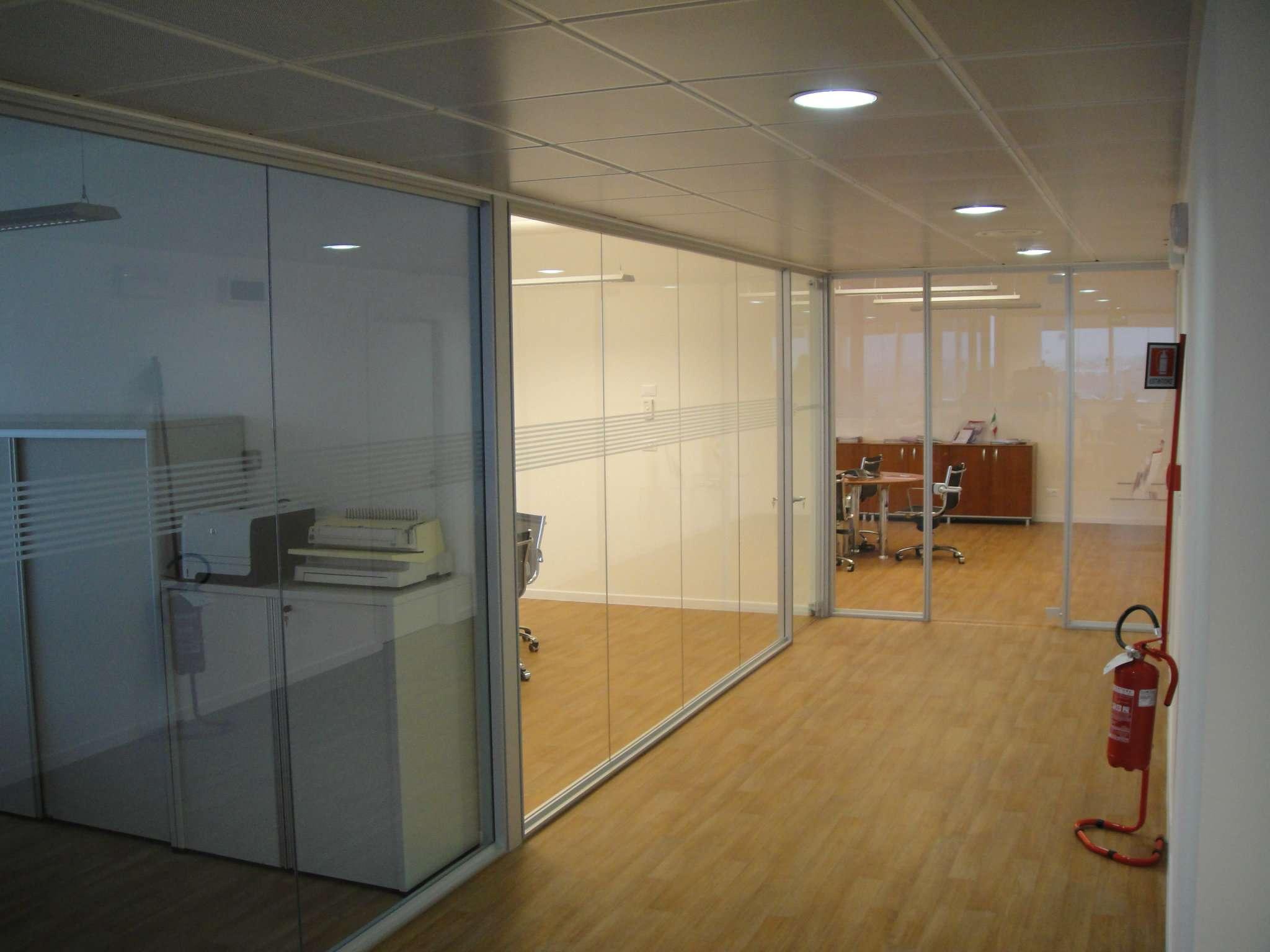 Ufficio / Studio in affitto a Venezia, 9999 locali, zona Zona: 11 . Mestre, prezzo € 4.000 | Cambio Casa.it
