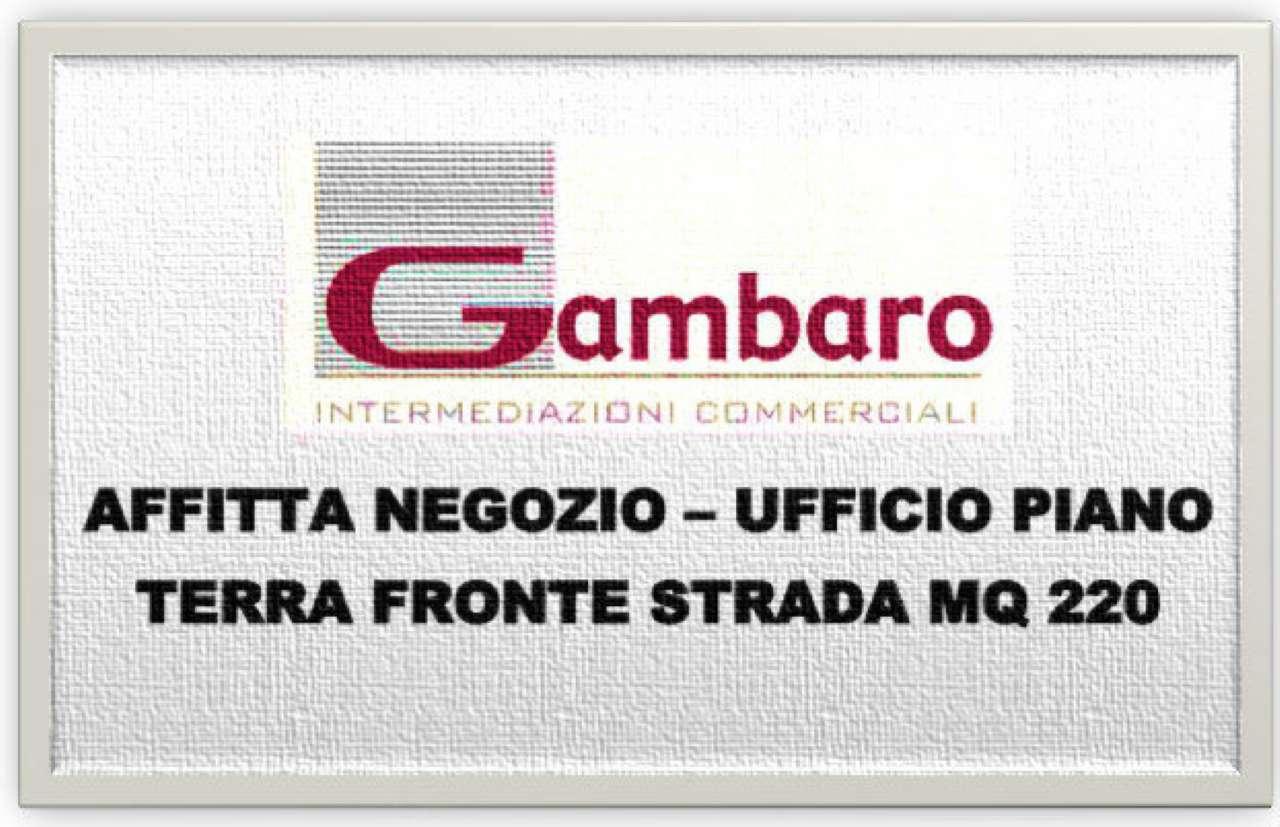 Negozio / Locale in affitto a Venezia, 9999 locali, zona Zona: 11 . Mestre, prezzo € 2.500 | CambioCasa.it