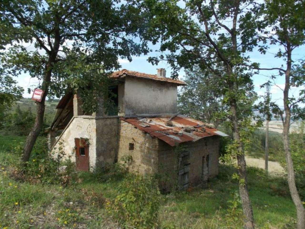 Rustico / Casale in vendita a Castiglione d'Orcia, 5 locali, prezzo € 40.000 | Cambio Casa.it