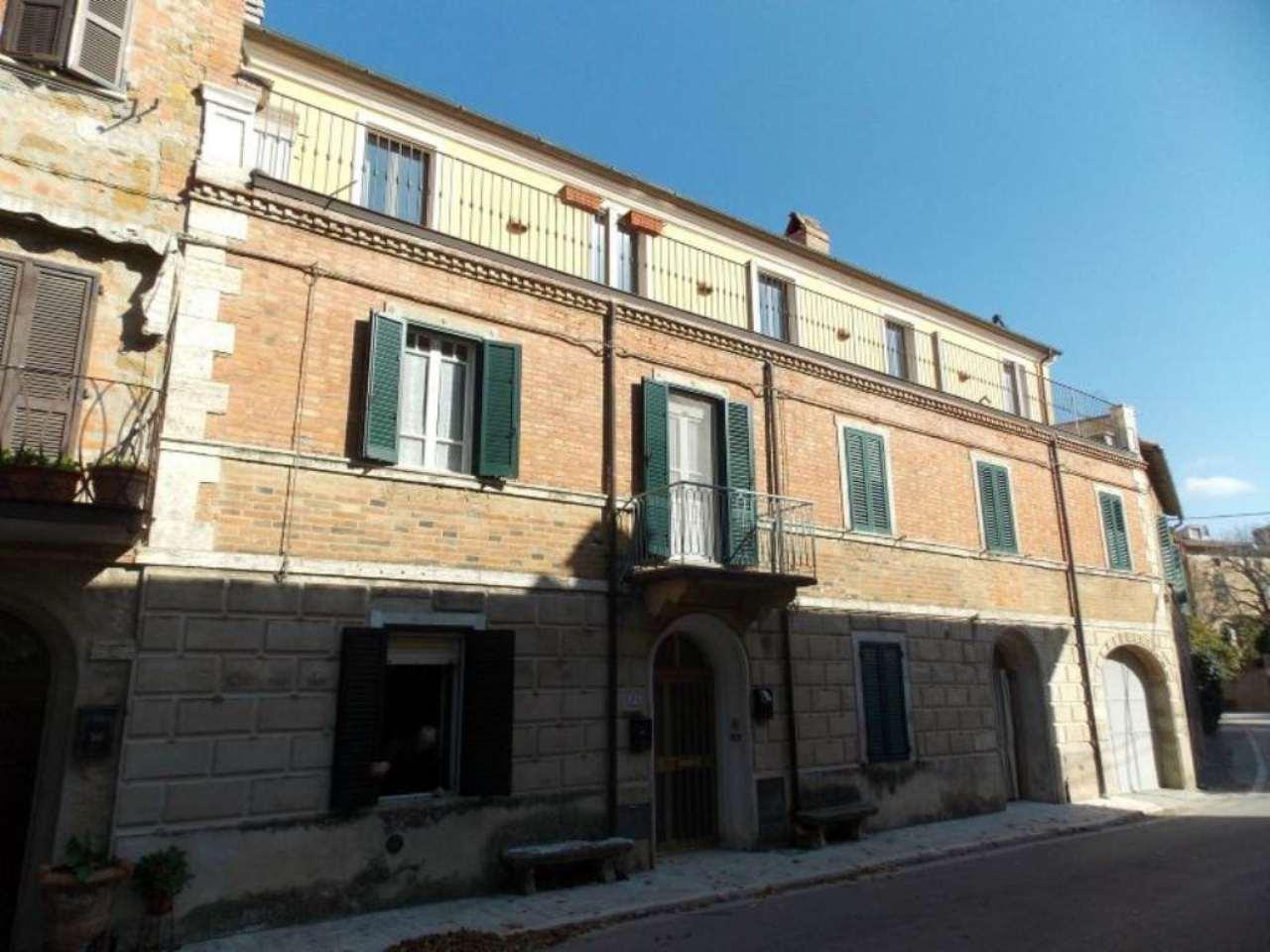 Appartamento in vendita a Trequanda, 6 locali, prezzo € 65.000 | Cambio Casa.it