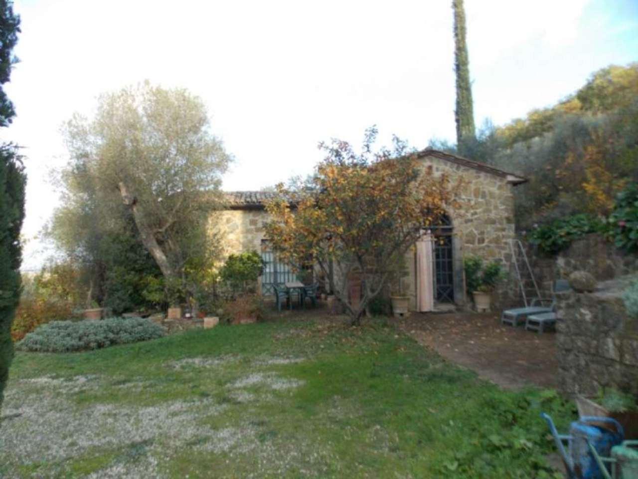 Rustico / Casale in vendita a Montalcino, 15 locali, prezzo € 1.100.000 | Cambio Casa.it