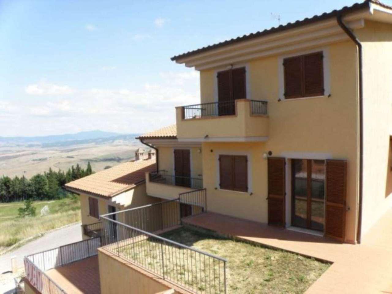 Appartamento in affitto a Castiglione d'Orcia, 5 locali, prezzo € 450 | Cambio Casa.it