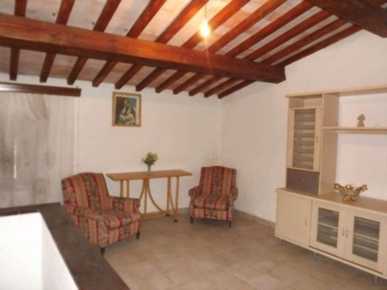 Appartamento in vendita a Proceno, 5 locali, prezzo € 65.000 | Cambio Casa.it