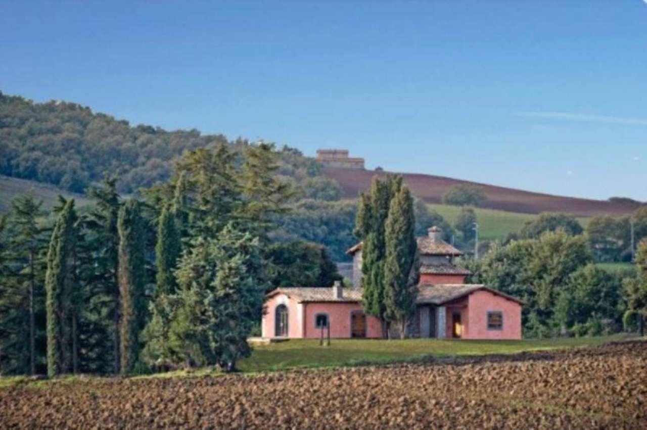 Rustico / Casale in vendita a Montefiascone, 6 locali, prezzo € 590.000   Cambio Casa.it